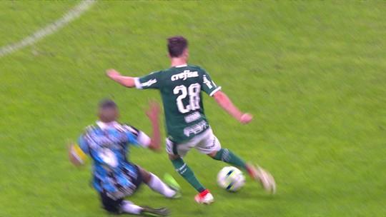 Léo Moura sente problema na coxa esquerda e vira preocupação para o Grêmio