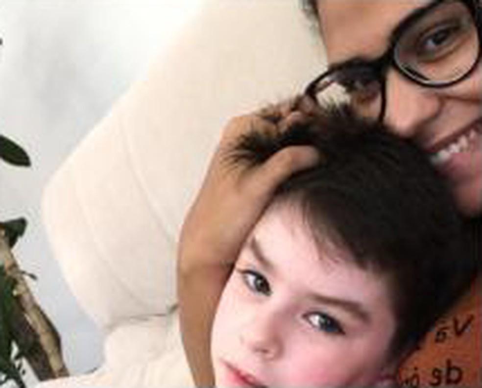 Thayná, babá de Henry, manda uma selfie para a mãe do garoto após a suposta sessão de tortura por Dr. Jairinho em fevereiro — Foto: Reprodução
