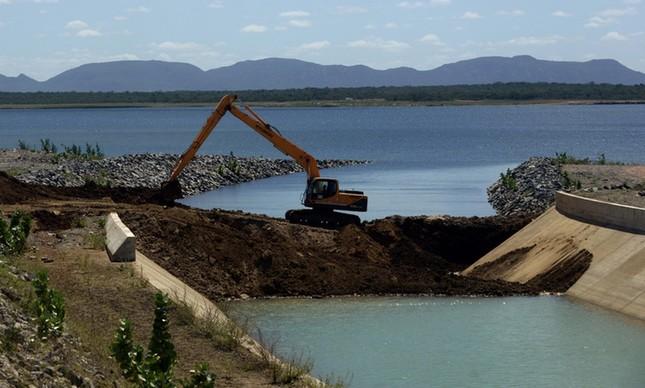 Obra em trecho do projeto de transposição do Rio São Francisco