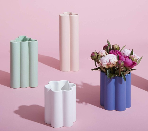 Os vasos em forma de nuvem estão presentes nas cores azul, branco, verde e rosa (Foto: Amazon/ Reprodução)