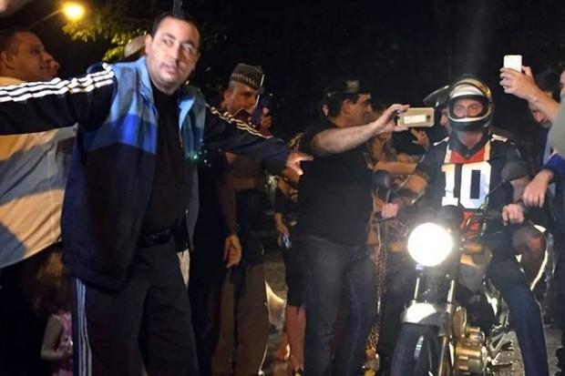 Bolsonaro de moto (Foto: Cleide Carvalho/Agência O Globo)