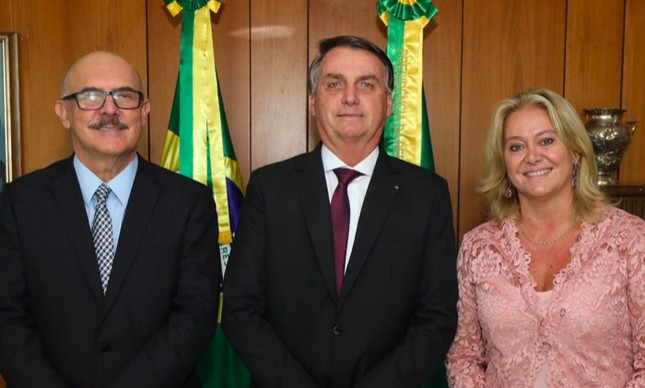 Milton Ribeiro, Jair Bolsonaro e Cláudia Queda de Toledo