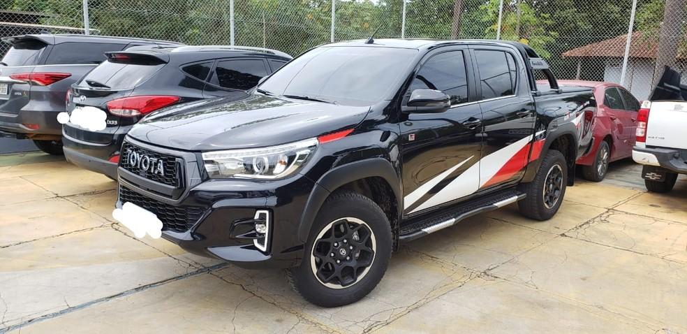 Polícia também apreendeu carros que os investigados supostamente compraram com a venda de drogas.  — Foto: Reprodução/Polícia Federal