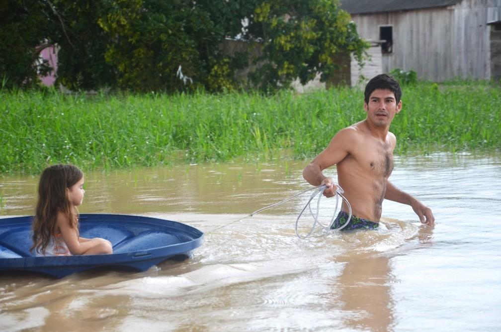 90% da cidade de Tarauacá ficaram debaixo das águas do rio  — Foto: Carlos Lima/Arquivo pessoal