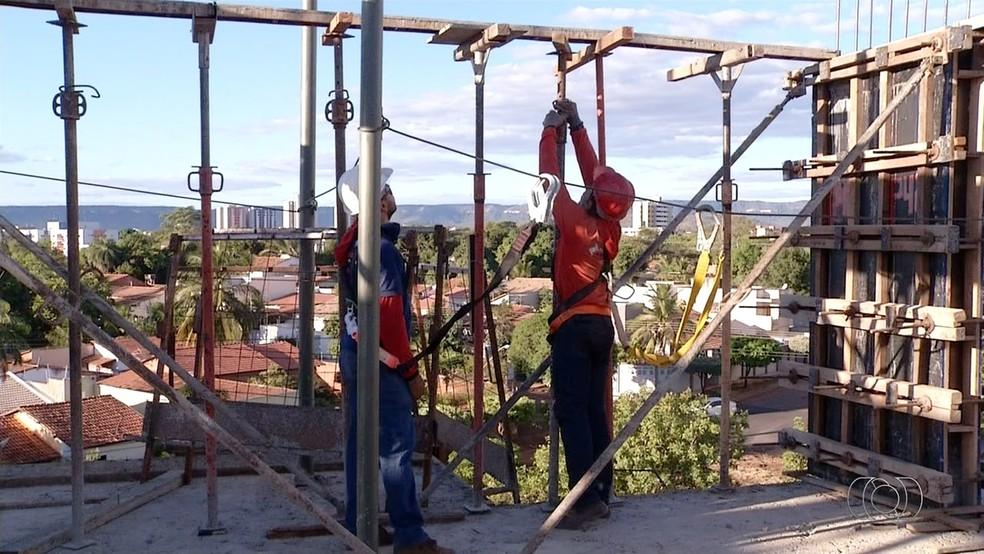 Mais de 6,3 mil pessoas ficaram feridas durante acidentes de trabalho, de 2012 a 2017 (Foto: Reprodução/TV Anhanguera)