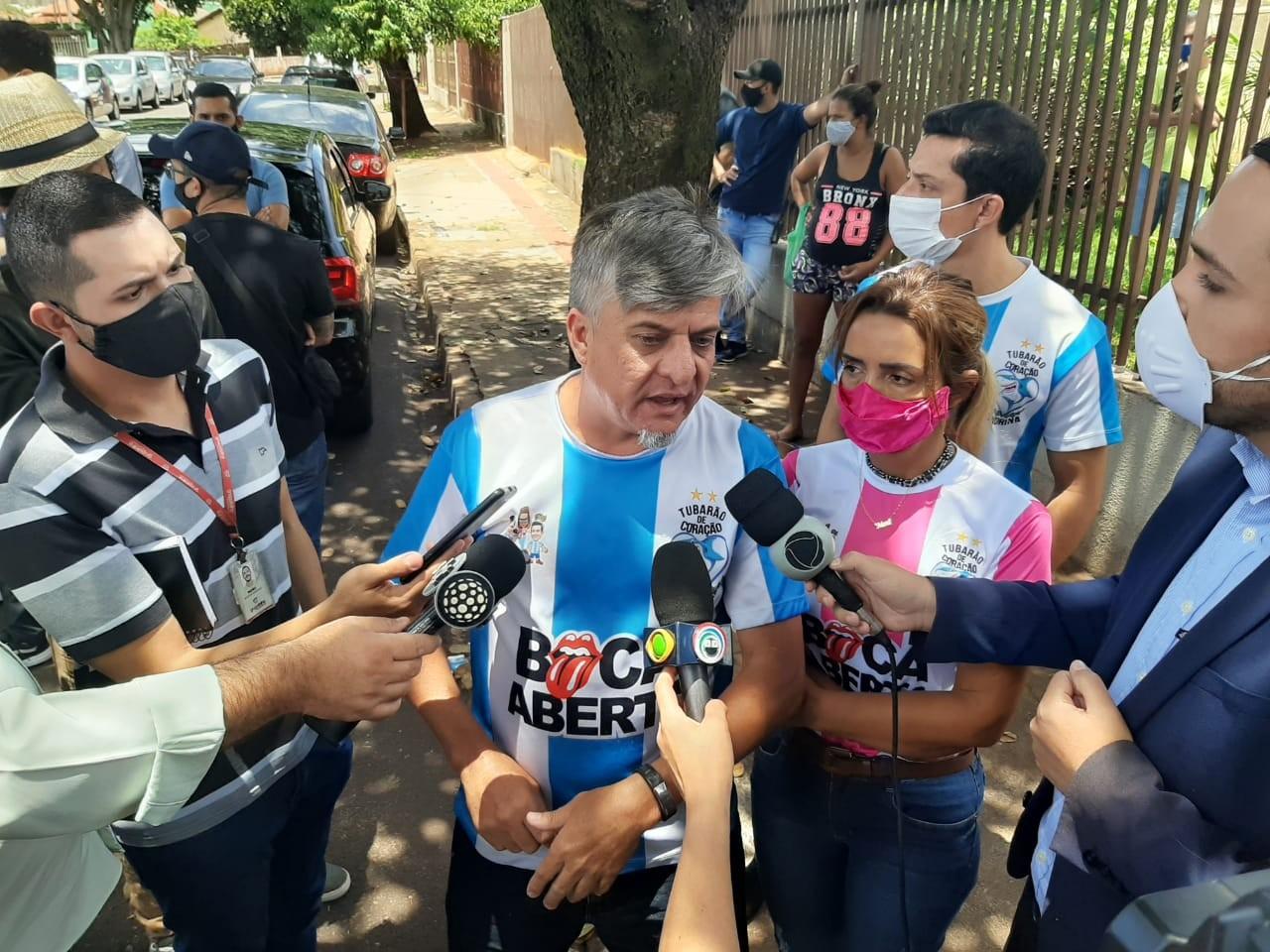 Condenado por perturbação de sossego, deputado Boca Aberta se apresenta para cumprir pena