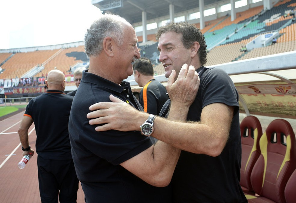 Felipão e Cuca também se enfrentaram na China  — Foto: Reprodução/Sina.com
