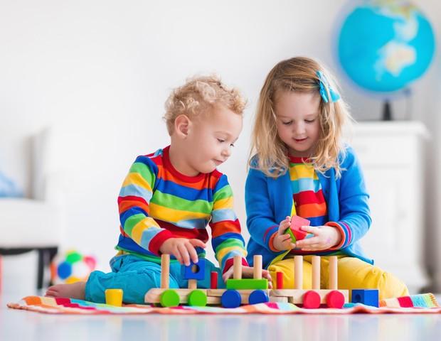 Irmãos de autistas também podem ter dificuldade motora, revela estudo (Foto: Thinkstock)