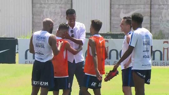 """Jô explica saída do Corinthians, dá dicas a substituto e se despede: """"É um até breve"""""""