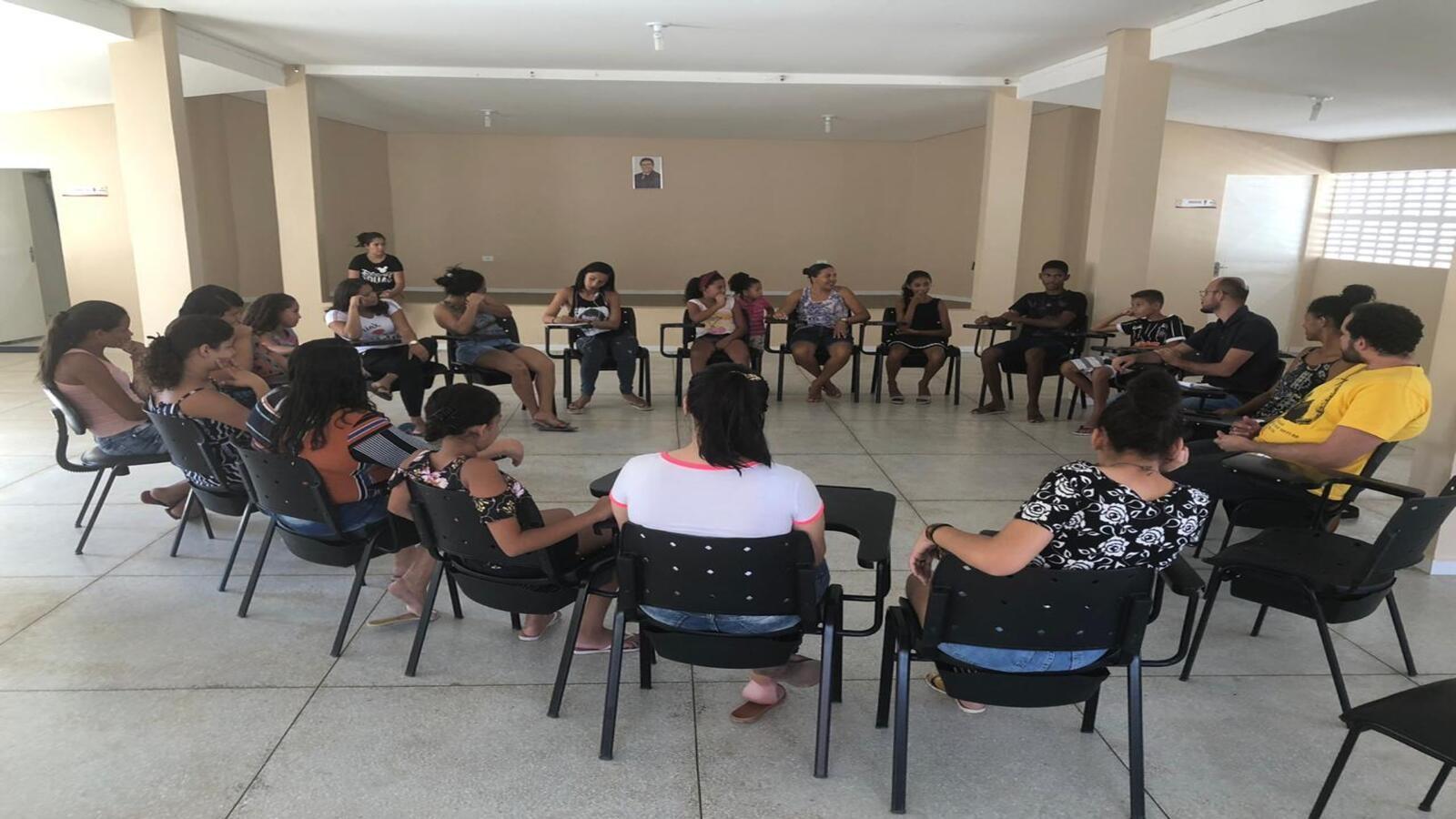Prefeitura implanta oito cineclubes com filmes e debates   - Notícias - Plantão Diário