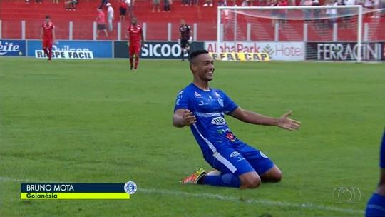 Osvaldo Cruz anuncia contratação de centroavante autor de 5 gols no Campeonato Goiano deste ano