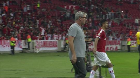 """""""Constrangido"""", Roger reclama do VAR em derrota do Bahia: """"Hoje eu me sinto impotente"""""""