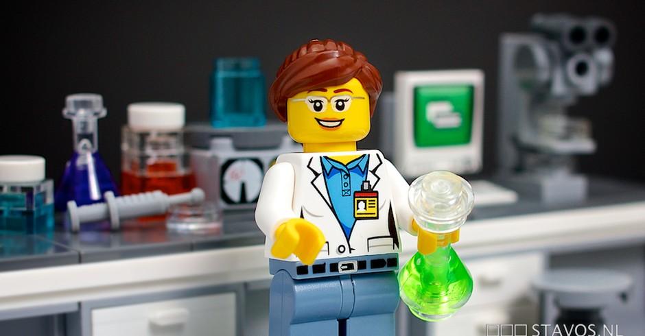 cientista de lego (Foto: FLICKR / Stavos)