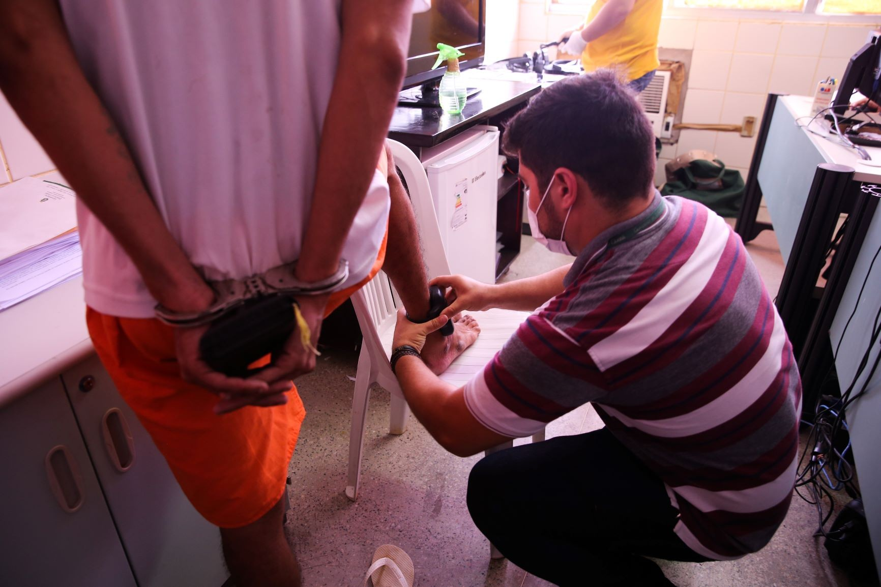 Número de tornozeleiras eletrônicas no Ceará aumenta 27% na pandemia