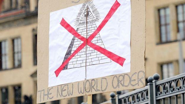 O Grupo Bilderberg atrai muitos manifestantes (Foto: Getty Images via BBC)