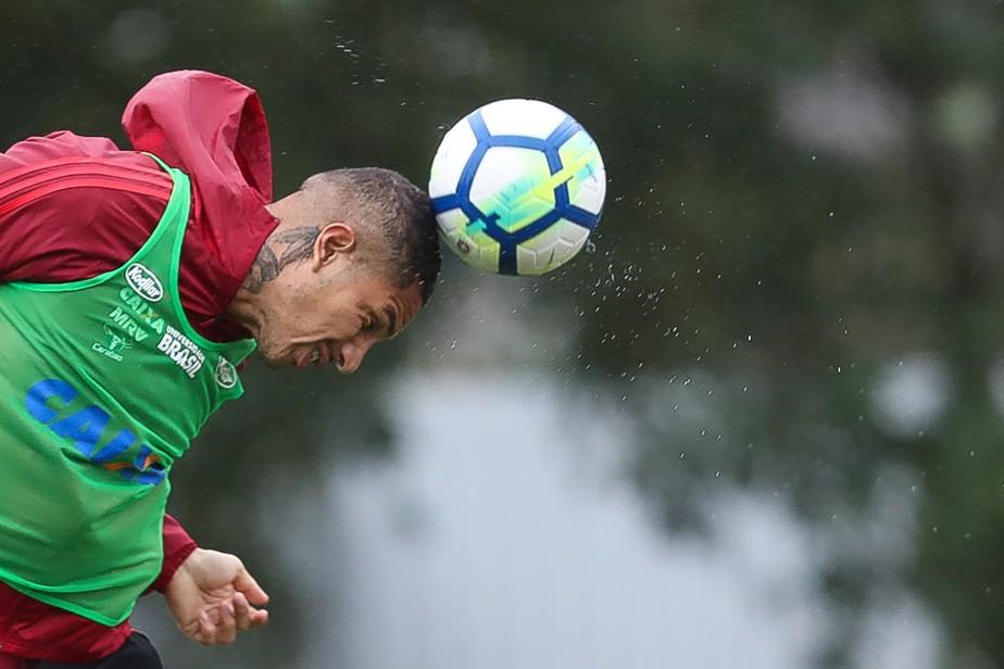 Após reunião, Inter fecha contratação de Guerrero por três temporadas
