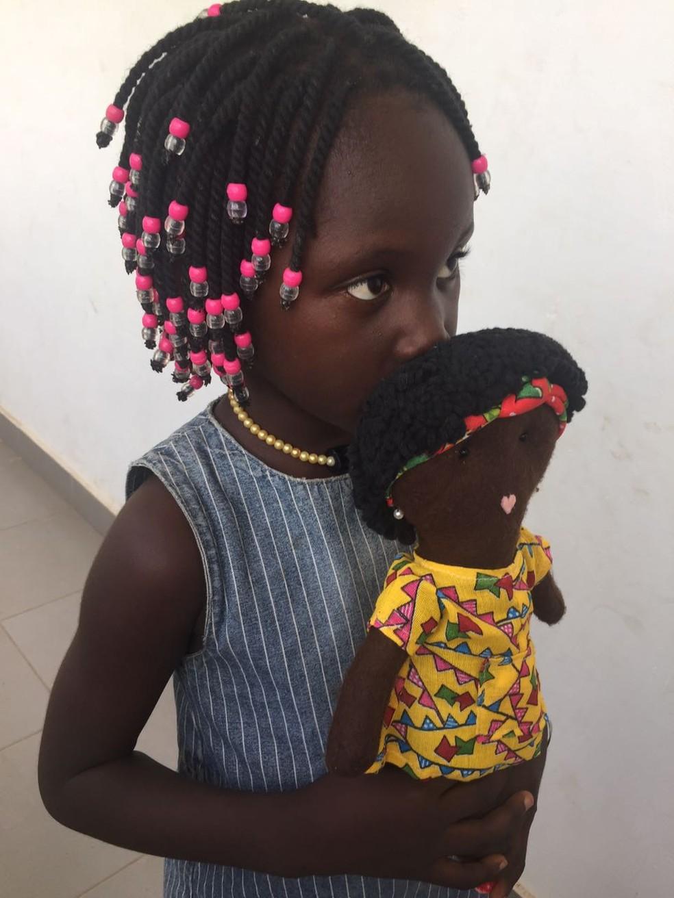 Brinquedo foi criado para que as meninas vejam identificação pessoal na boneca (Foto: Arquivo Pessoal)
