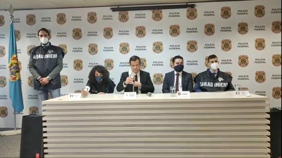 Polícia Federal concedeu entrevista coletiva onde detalhou a prisão de Rocco Morabito — Foto: Reprodução/PF/YouTube