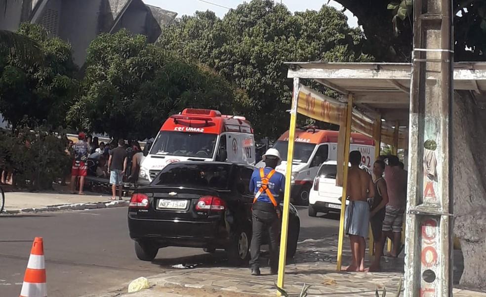 Viaturas do Samu foram ao local para prestar socorro às vítimas que foram atropeladas — Foto: Reprodução/Inter TV Cabugi