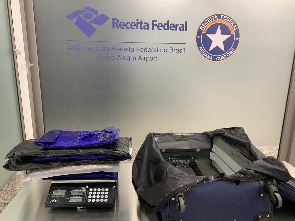 Em menos de uma semana, segundo argentino é preso com drogas no aeroporto de Porto Alegre  - Notícias - Plantão Diário