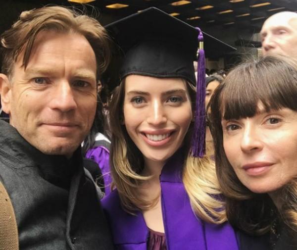 Ewan McGregor, sua filha Clara e sua ex-esposa Eve Mavrakis (Foto: Reprodução Instagram)