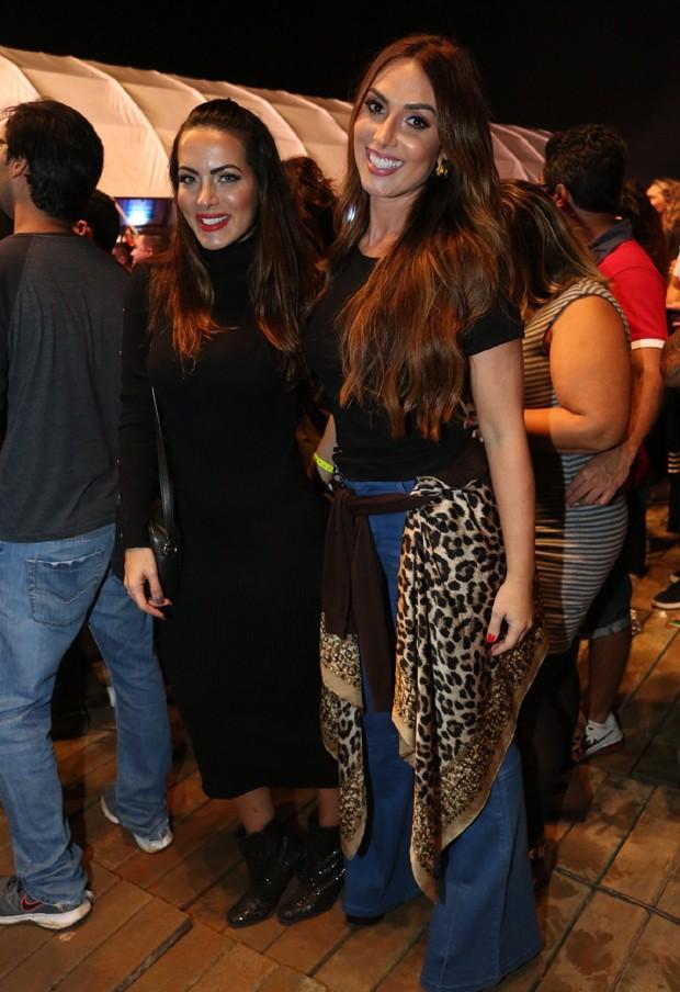 Carla Prata e Nicole Bahls (Foto: Reginaldo Teixeira/CS eventos divulgação)