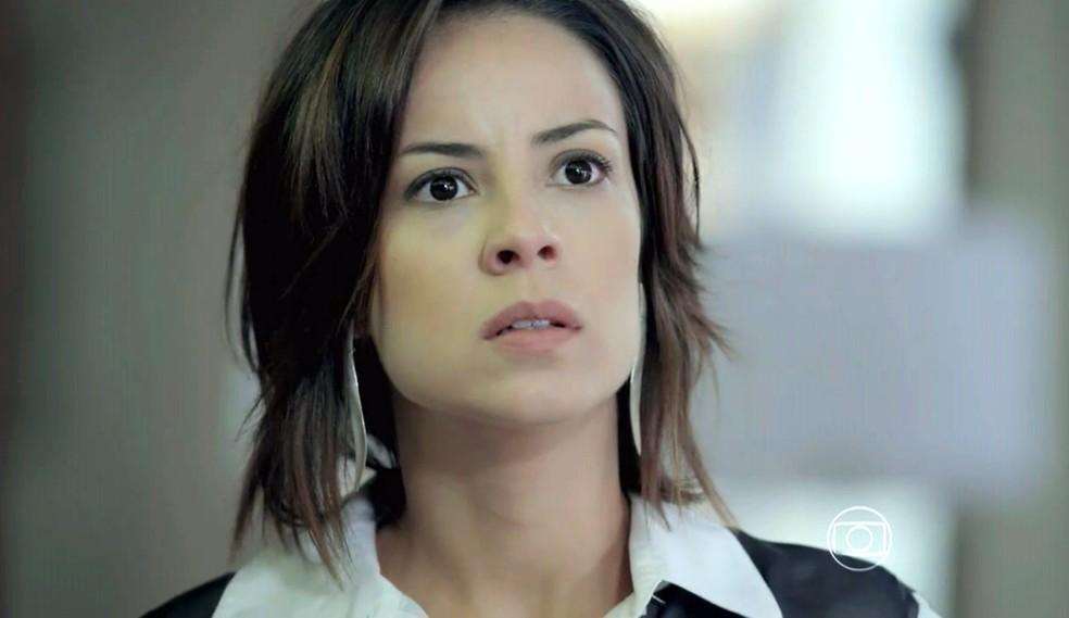Maria Clara (Andréia Horta) fica passada com a ousadia de Maurílio (Carmo Dalla Vecchia) - 'Império' — Foto: Globo