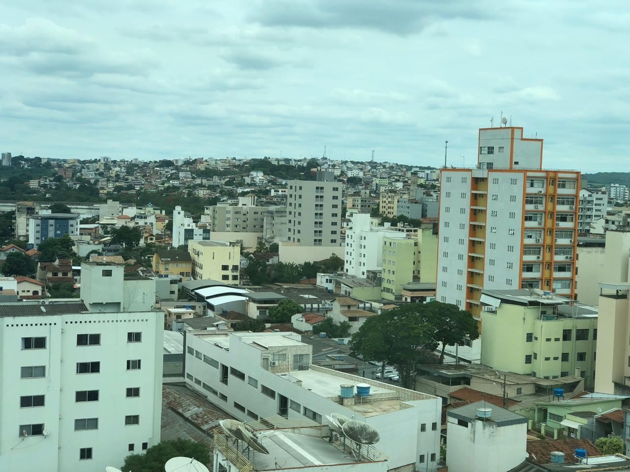 Após 10 dias da reabertura do comércio, casos da Covid-19 crescem 38,2% em Divinópolis