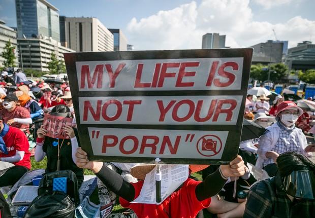 Protesto em Seul levou 60 mil mulheres às ruas contra as práticas abusivas na pornografia (Foto: Jean Chung/Getty Images)