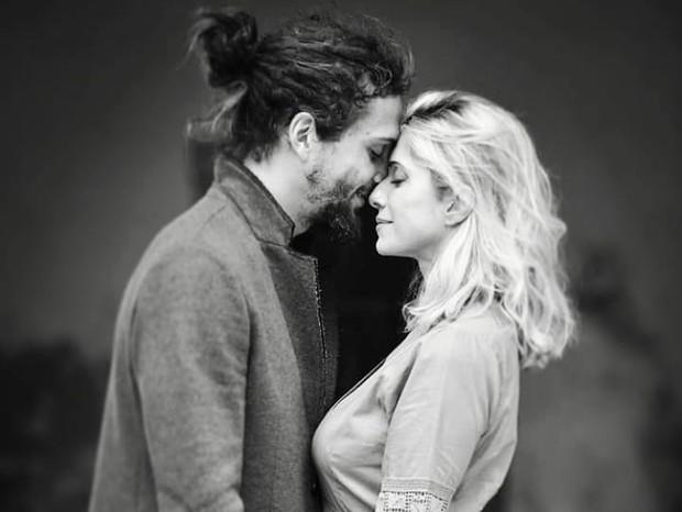 Letícia Spiller e namorado (Foto: Instagram/Reprodução)