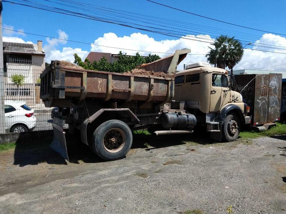 Segundo a Agefis, este é o segundo caminhão apreendido só esta semana na capital cearense. — Foto: Divulgação