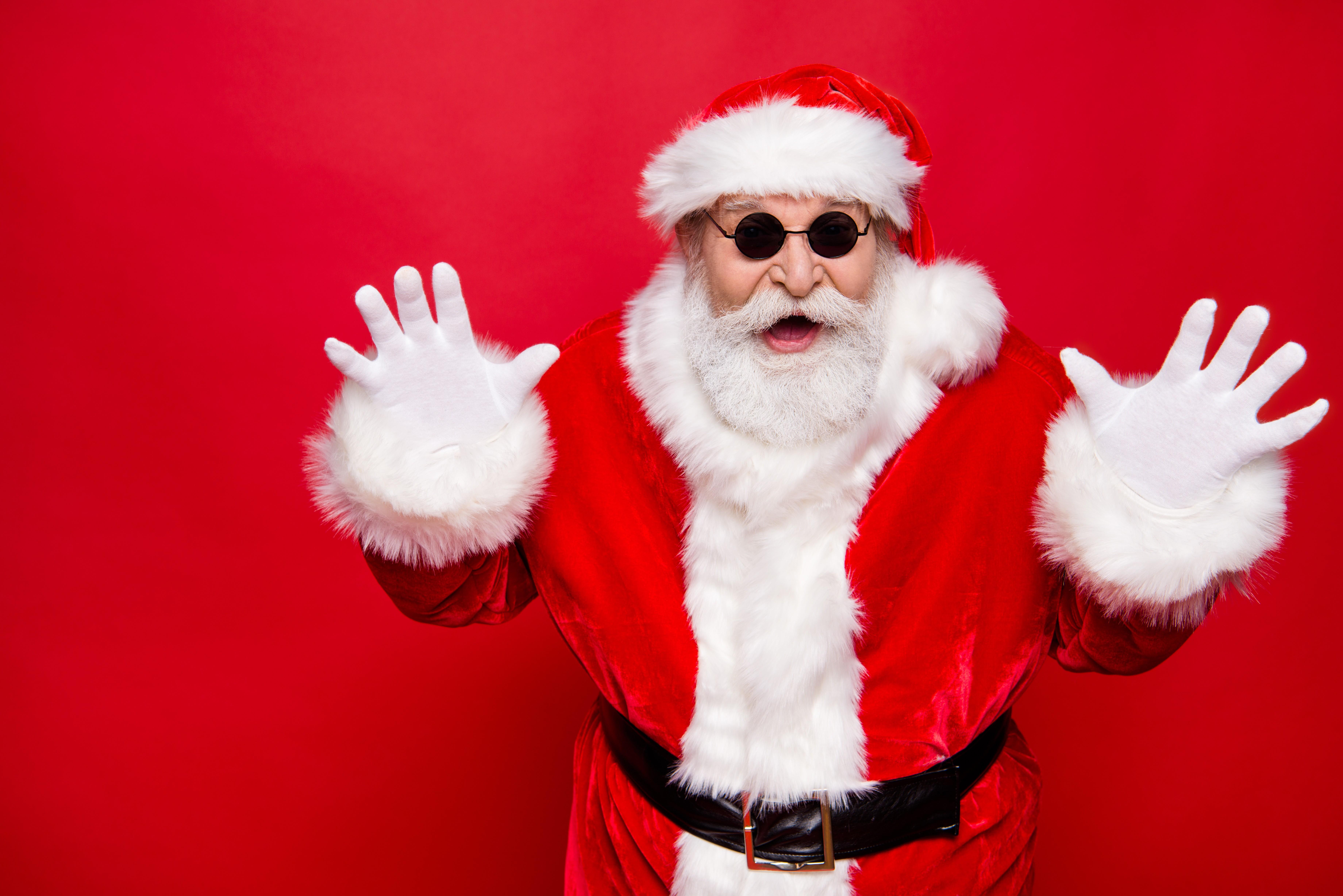 Papai Noel de óculos escuros (Foto: Thinkstock)