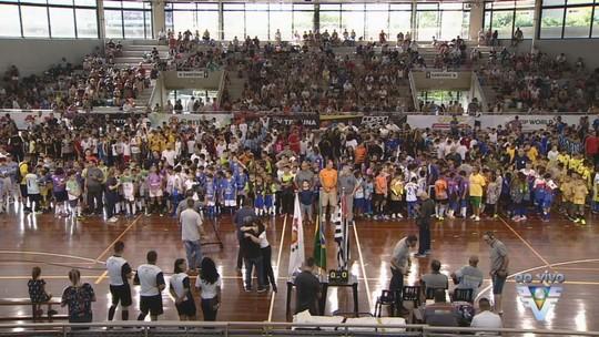 Copa TV Tribuna de Futsal Escolar tem início com muita festa