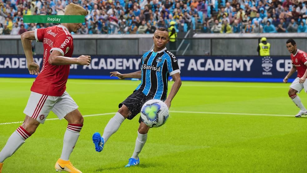 Cebolinha, que ainda não deixou o Grêmio no PES 2021, finaliza colocado — Foto: Reprodução