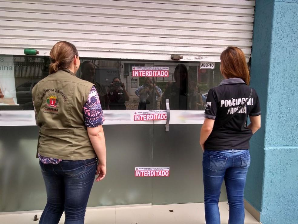 Segundo a Polícia Civil, uma das cinco farmácias foi interditada (Foto: Divulgação/Polícia Civil)