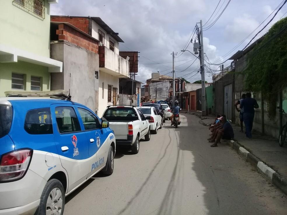 Chacina ocorreu na cidade de Lauro de Freitas, na Bahia. — Foto: Cid Vaz / TV Bahia