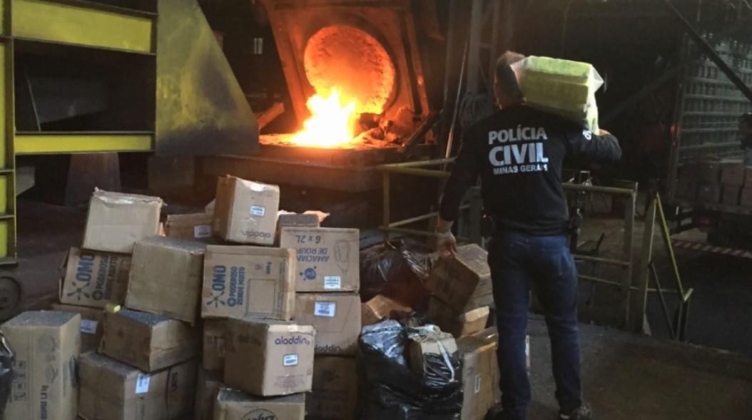 Polícia Civil de Pouso Alegre incinera duas toneladas e meia de drogas