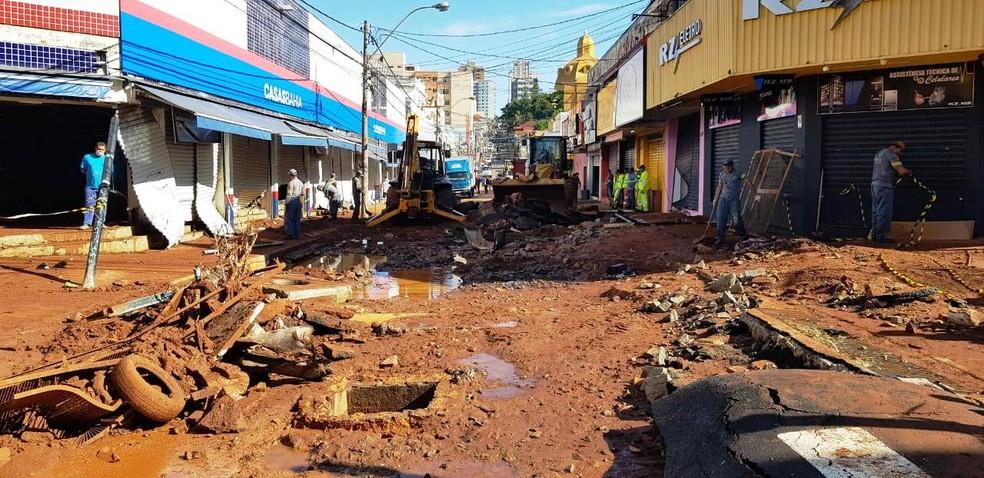 Temporal causou estragos na Rua Episcopal em São Carlos — Foto: Prefeitura São Carlos/Divulgação