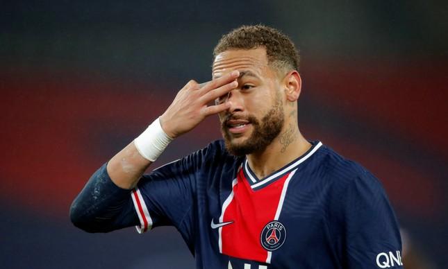 Neymar constrói proteção acústica e anexo para festa de réveillon de  cinco dias
