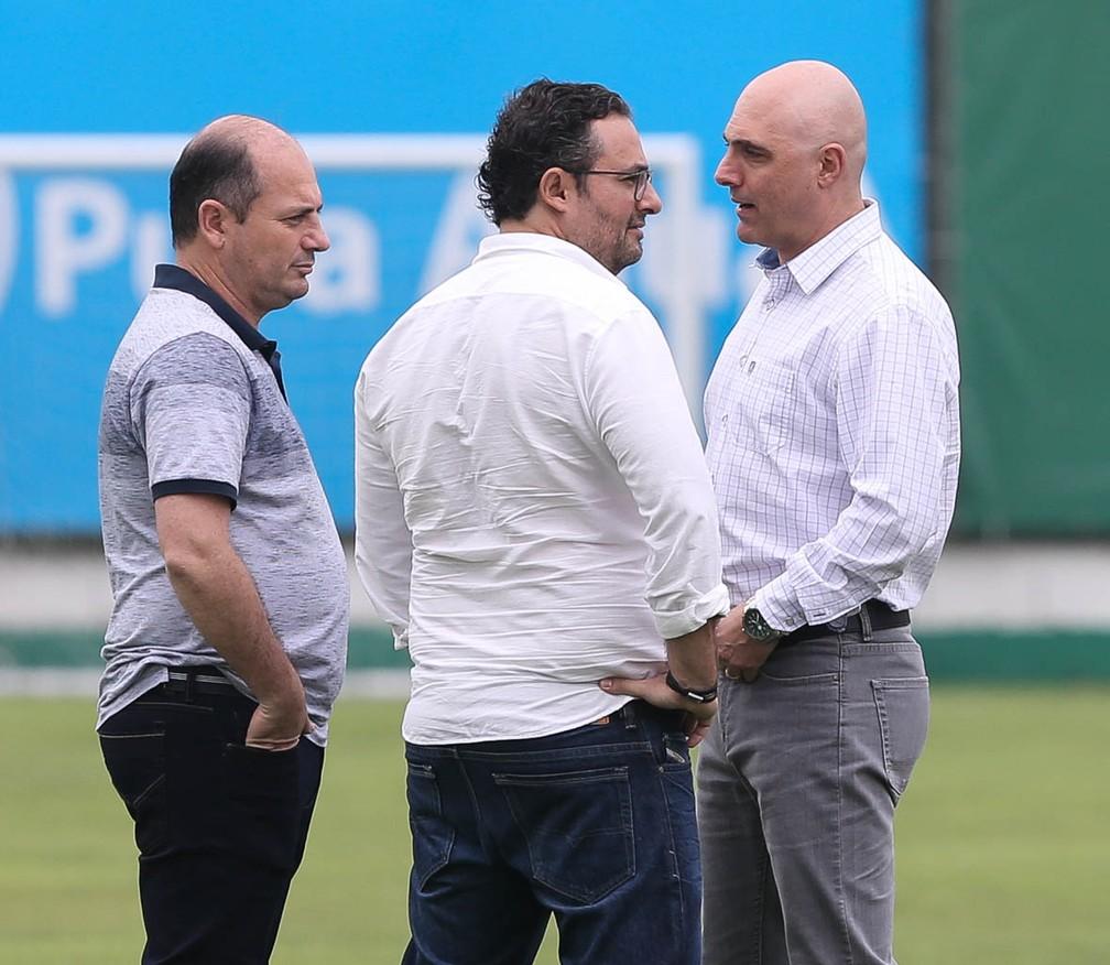 Cícero Souza, Alexandre Mattos e Maurício Galiotte no Palmeiras — Foto: Cesar Greco / Ag Palmeiras