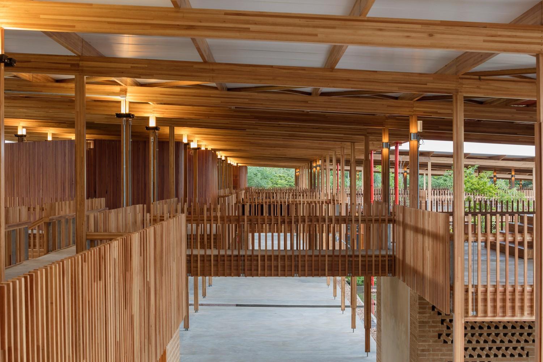 Conheça estrutura de escola que venceu prêmio de melhor arquitetura do mundo; FOTOS