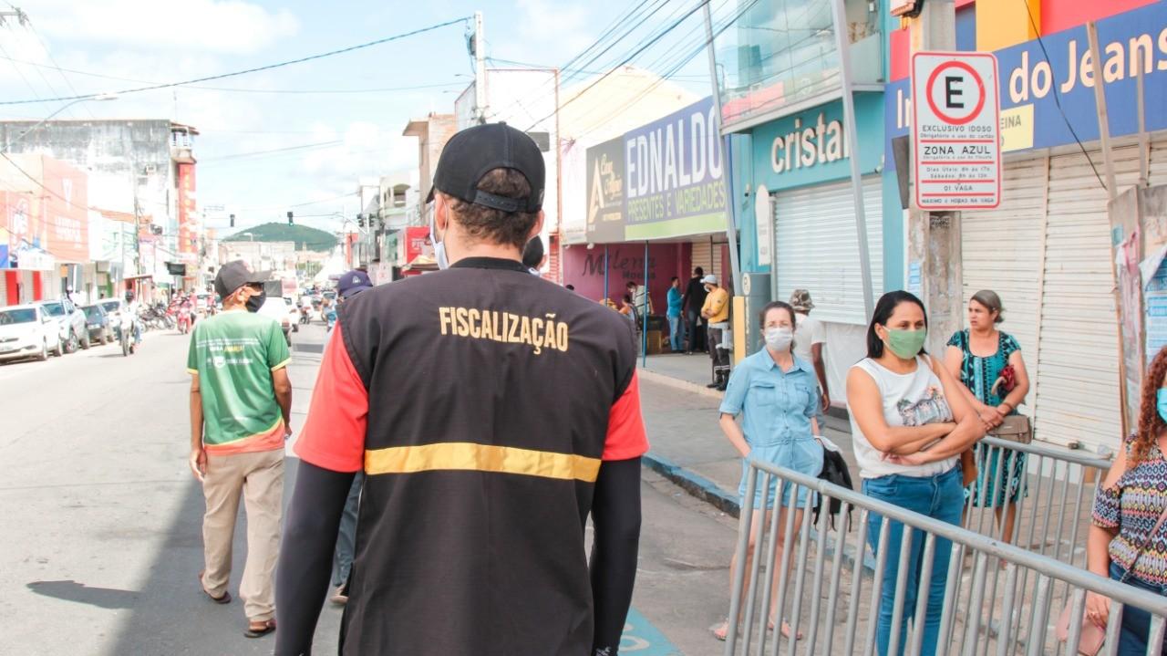 Serra Talhada decreta uso obrigatório de máscaras e proíbe estacionamento no Centro