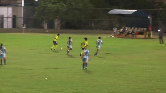 Time entra com 10 atletas em campo, leva 13 gols, e partida é encerrada com 17 minutos; assista