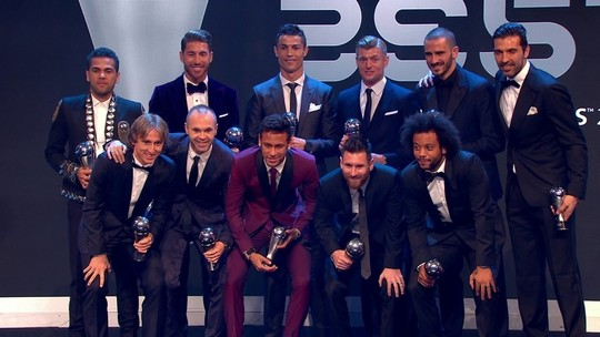 Daniel Alves, Marcelo e Neymar entram na seleção da Fifa