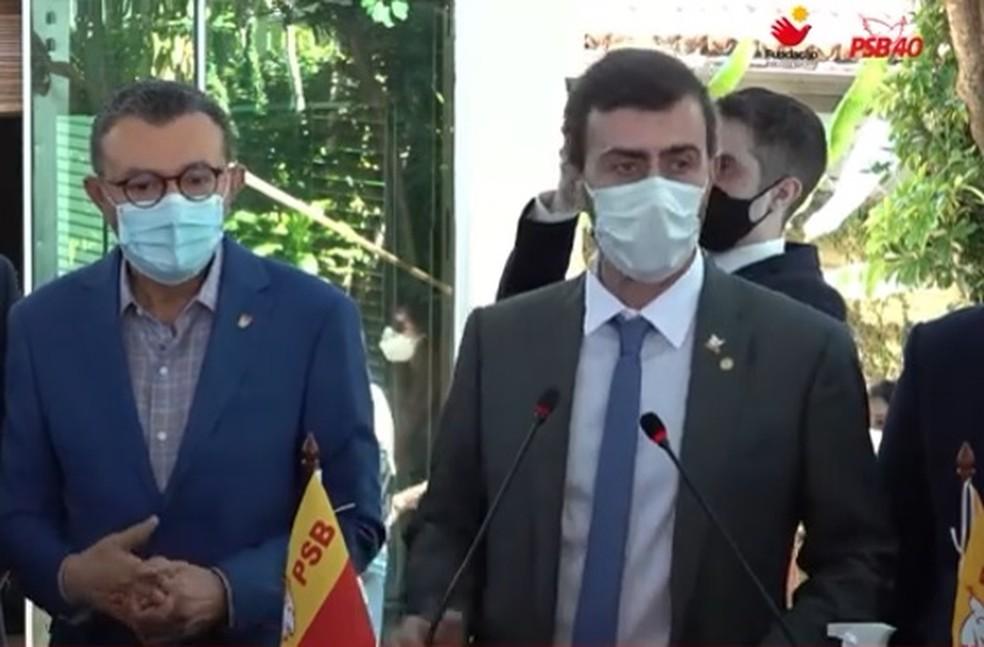 Deputado federal pelo RJ, Marcelo Freixo discursa em filiação ao PSB — Foto: Reprodução/YouTube