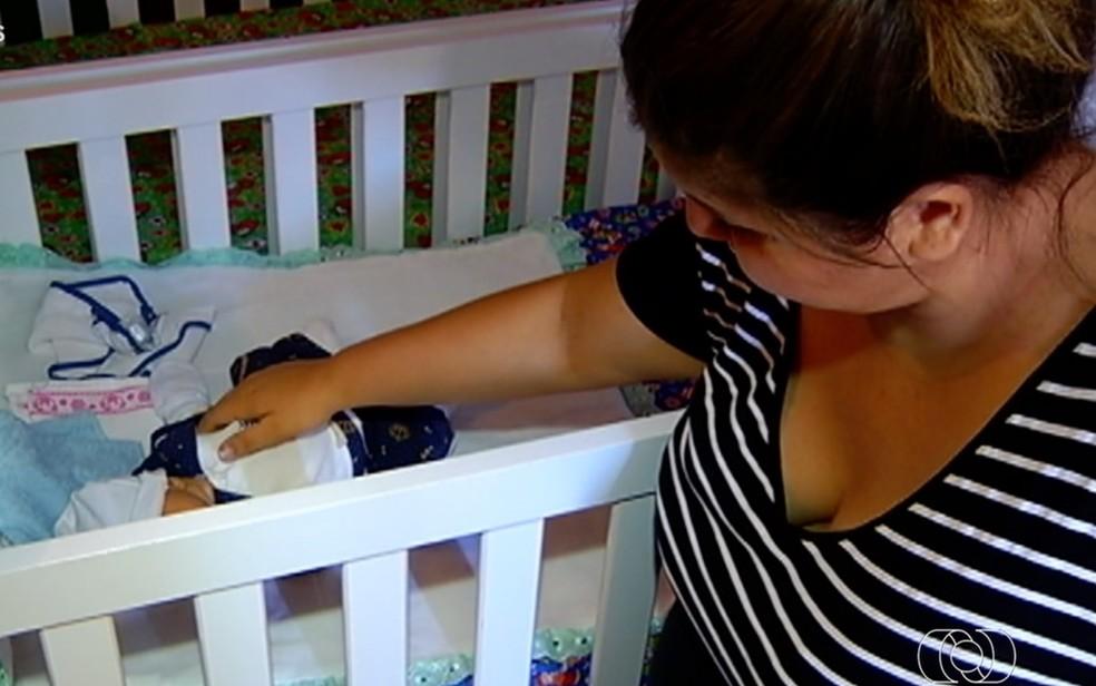 Mãe que recebeu só um bebê após exames mostrarem que ela esperava gêmeos desabafa: 'Muita revolta'  — Foto: Reprodução/TV Anhanguera