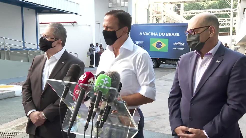 Governador de SP, secretário estadual da Saúde e diretor do Instituto Butantan falam sobre nova remessa enviada ao governo federal  — Foto: Reprodução/TV Globo