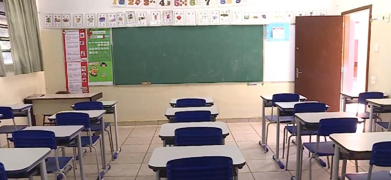 Ministério Público de Minas Gerais apura suspensão dos alvarás das escolas em Belo Horizonte