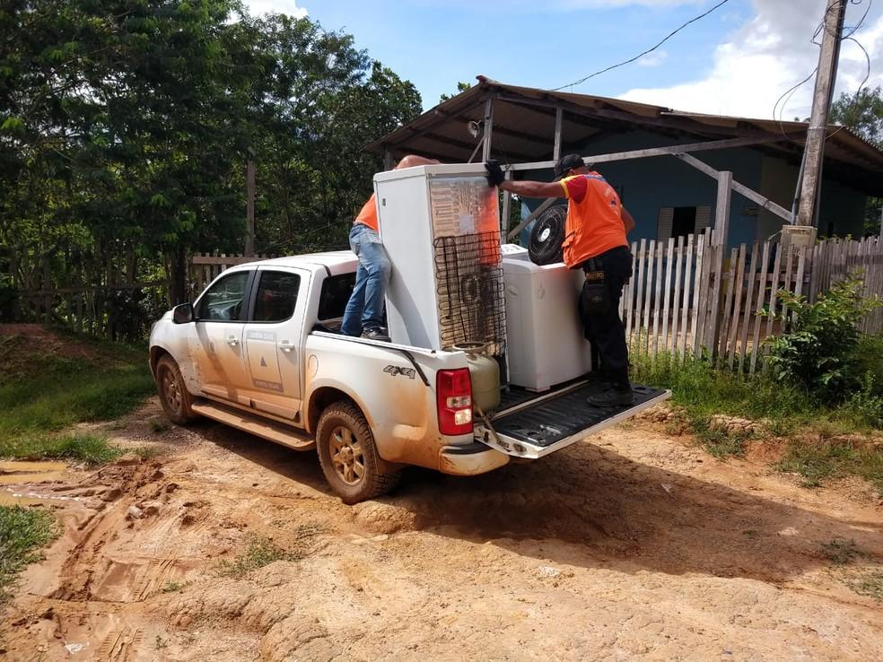 Equipes da Defesa Civil foram acionadas para atender famílias desalojadas — Foto: Ruan Gabriel/Aqruivo pessoal