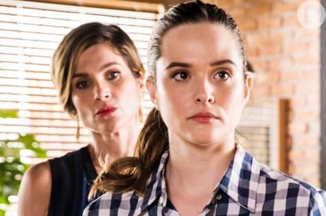 Helena (Flávia Alessandra) e Luna (Juliana Paiva) em 'Salve-se quem puder' (Foto: TV Globo)